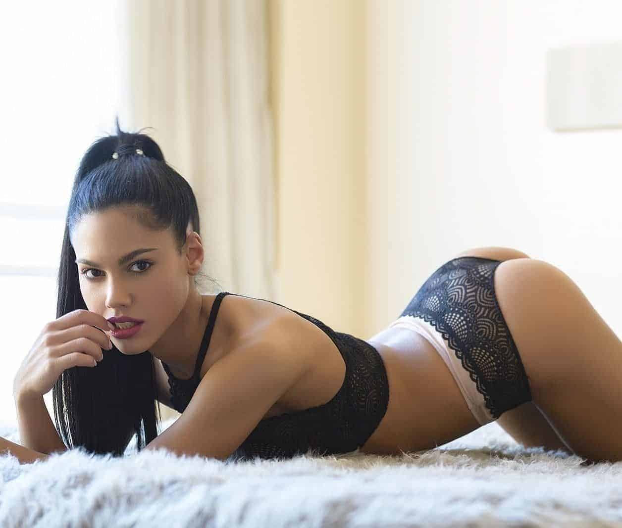 Apolonia Lapiedra hot lingerie