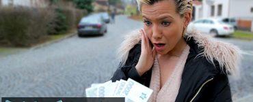 milf blonde baise pour de l'argent